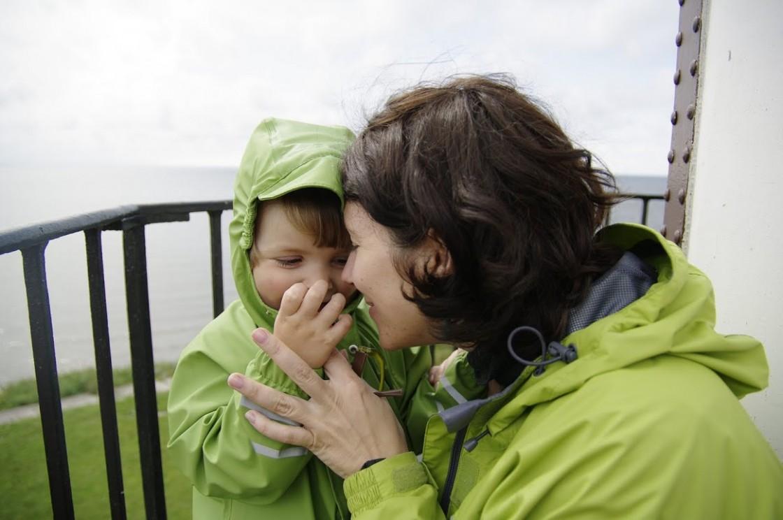 švyturys kelionės mama su vaiku šypsena
