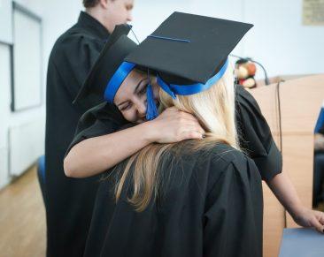 Dovana baigiant mokyklą