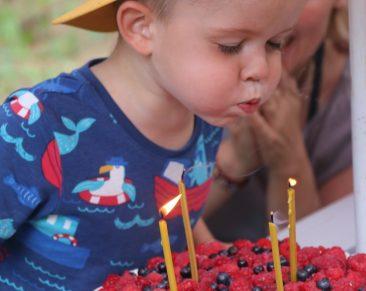Gimtadienio etiketas – lai svečiai pajunta šventę nuo kvietimo