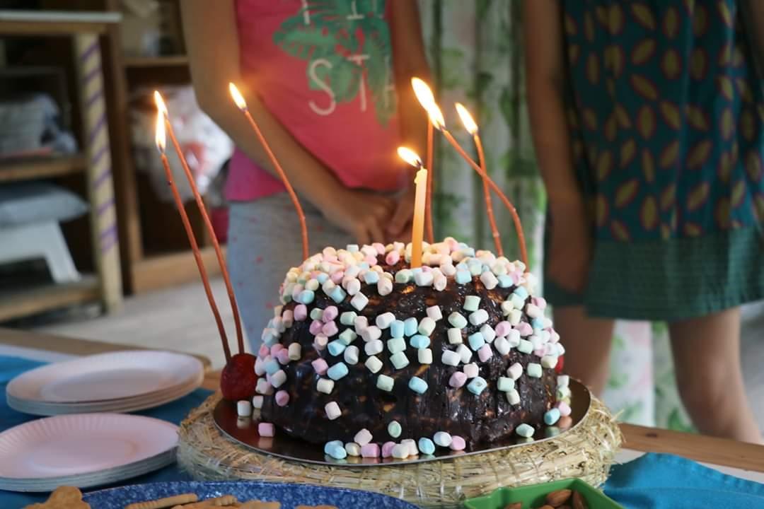 tinginys puikus desertas kai gimtadienis gamtoje ar lauke