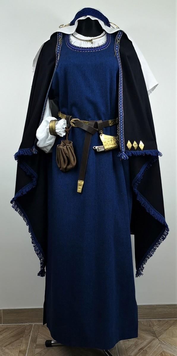 Archeologinis lietuvių moters kostiumas